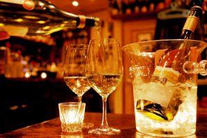 ワインバーを開業しよう!