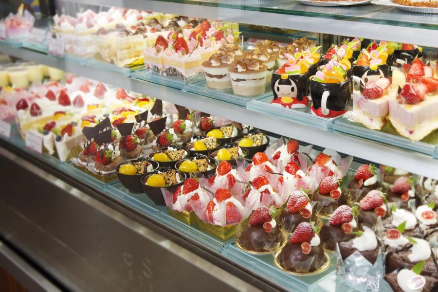 ケーキ屋の商品を内装でアピール!美味しいデザインとは?